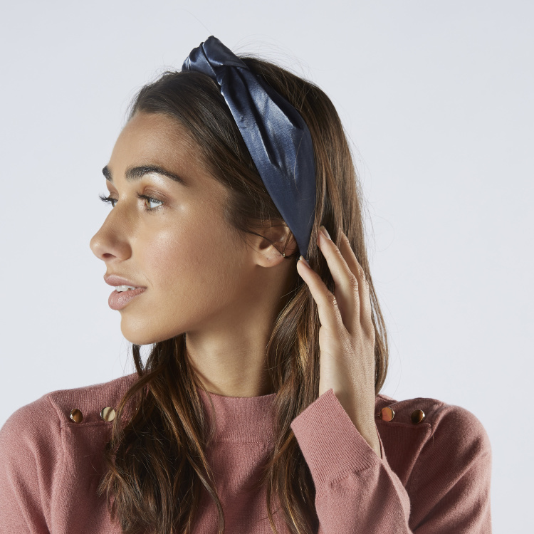 Solid Headband with Knot Detail