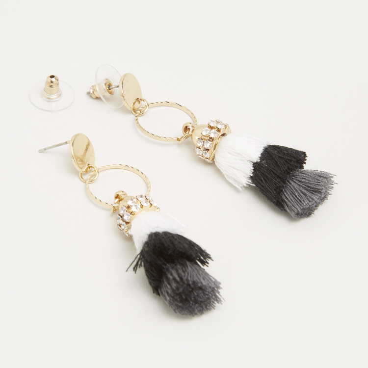 Dangling Earrings with Tassel Detail and Pushback Closure