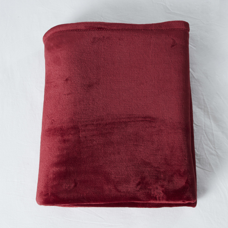 Solid Velvet Plush Throw - 180x150 cms