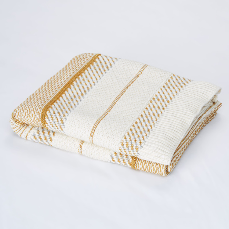 Castle Knitted Cotton Throw - 127x152 cms